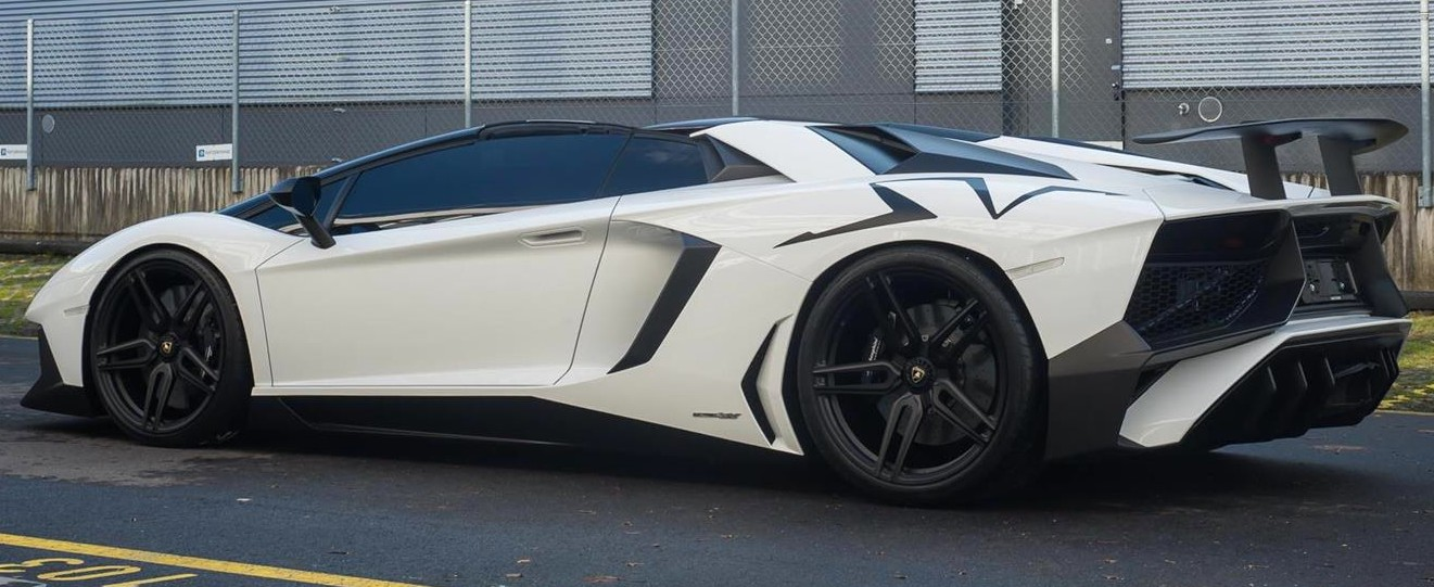 Black Amp White Lamborghini Aventador Sv Roadster