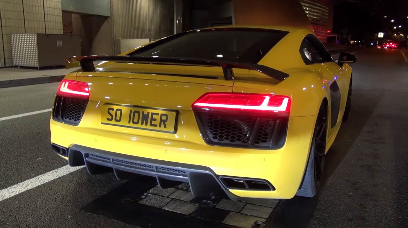 Audi R8 V10 Plus With Akrapovic Exhaust System